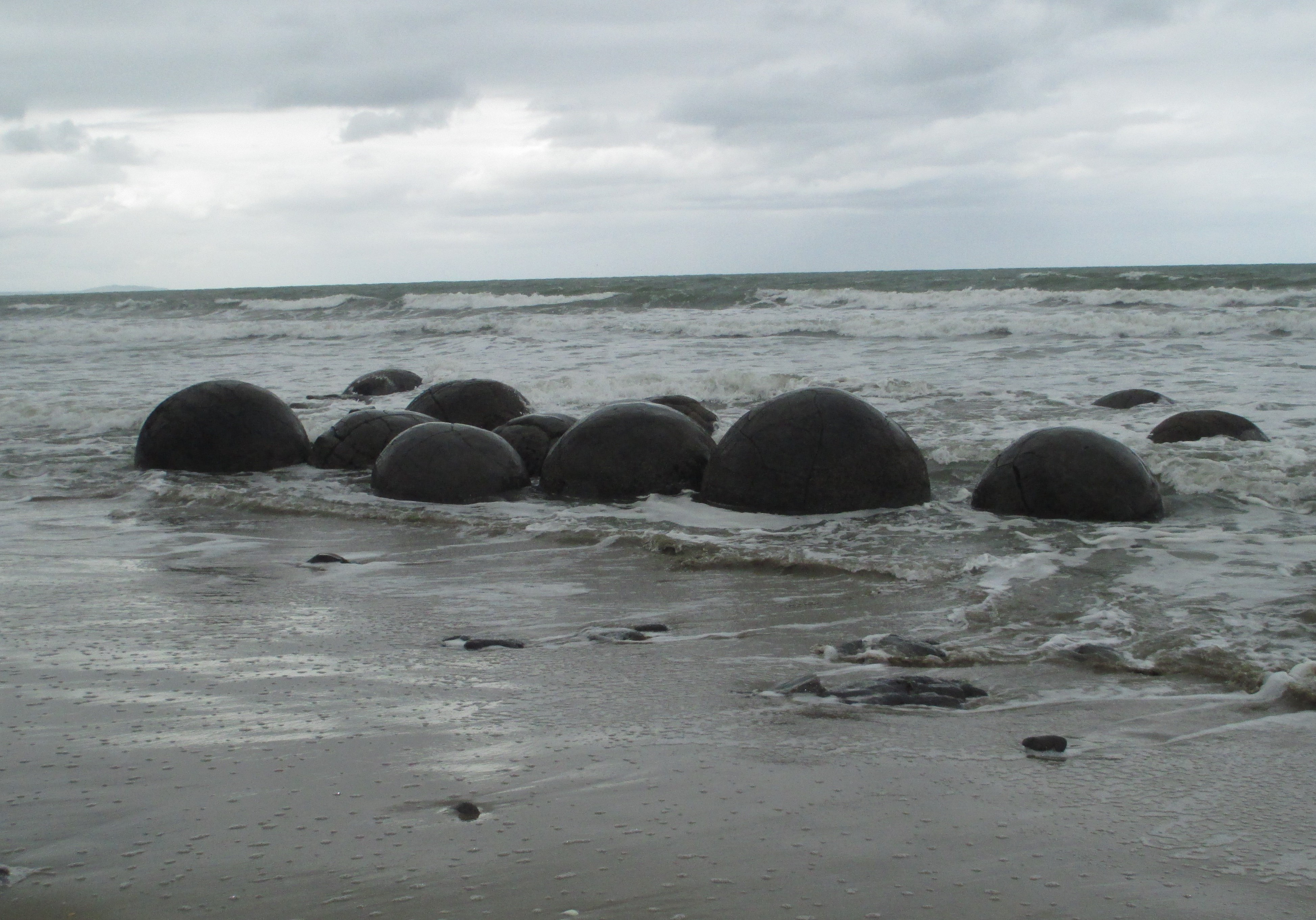 Moeraki Boulders, Oamaru, new zealand, south island, sea, coast, boulders, stone, natural wonders