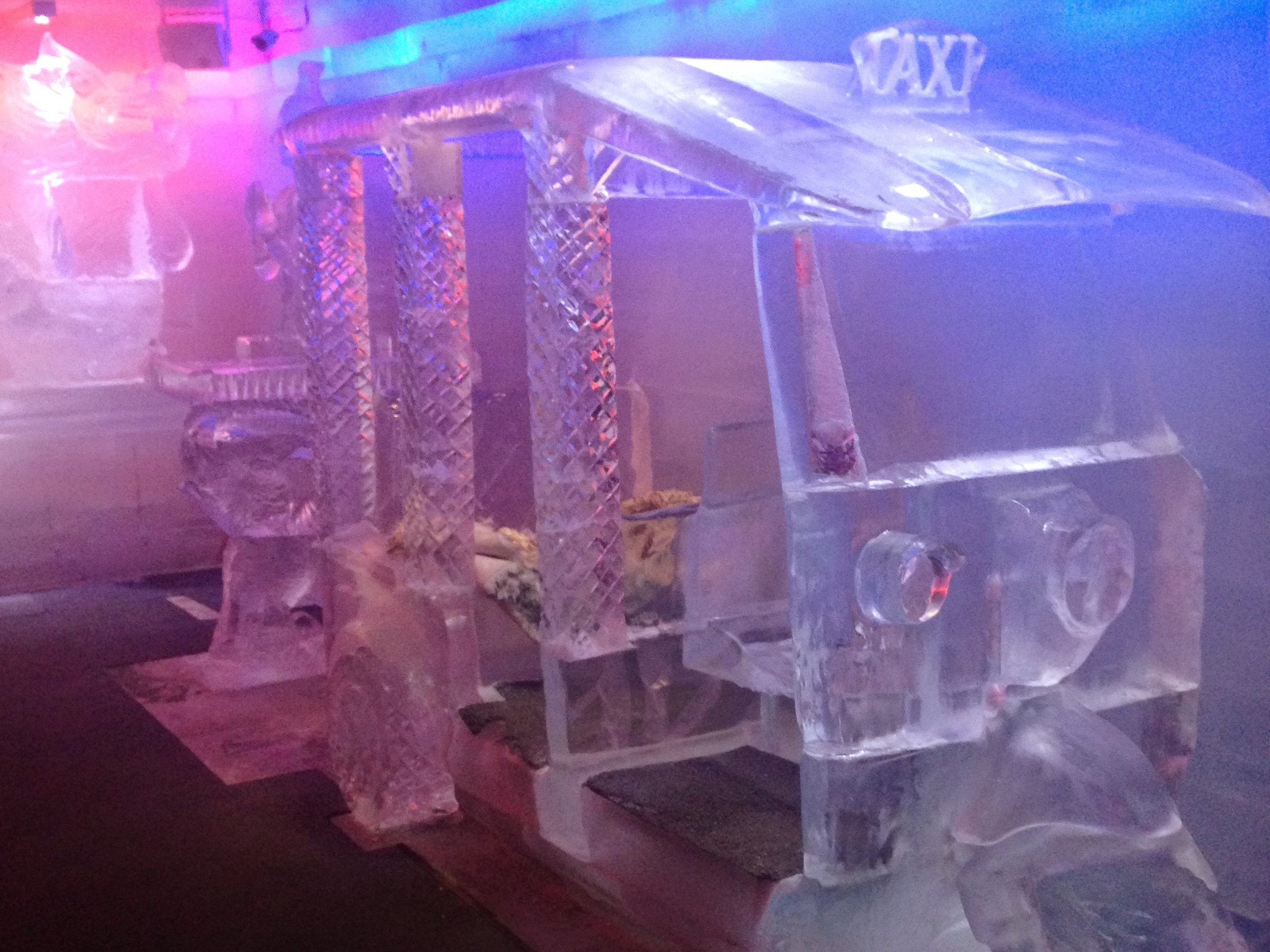 Ice, tuk tuk, ice tuk tuk, ice bar, koh samui, bar, ice sculpture, sculpture, thailand, travelling, travellers, travels, backpacking, backpackers, islands, island,