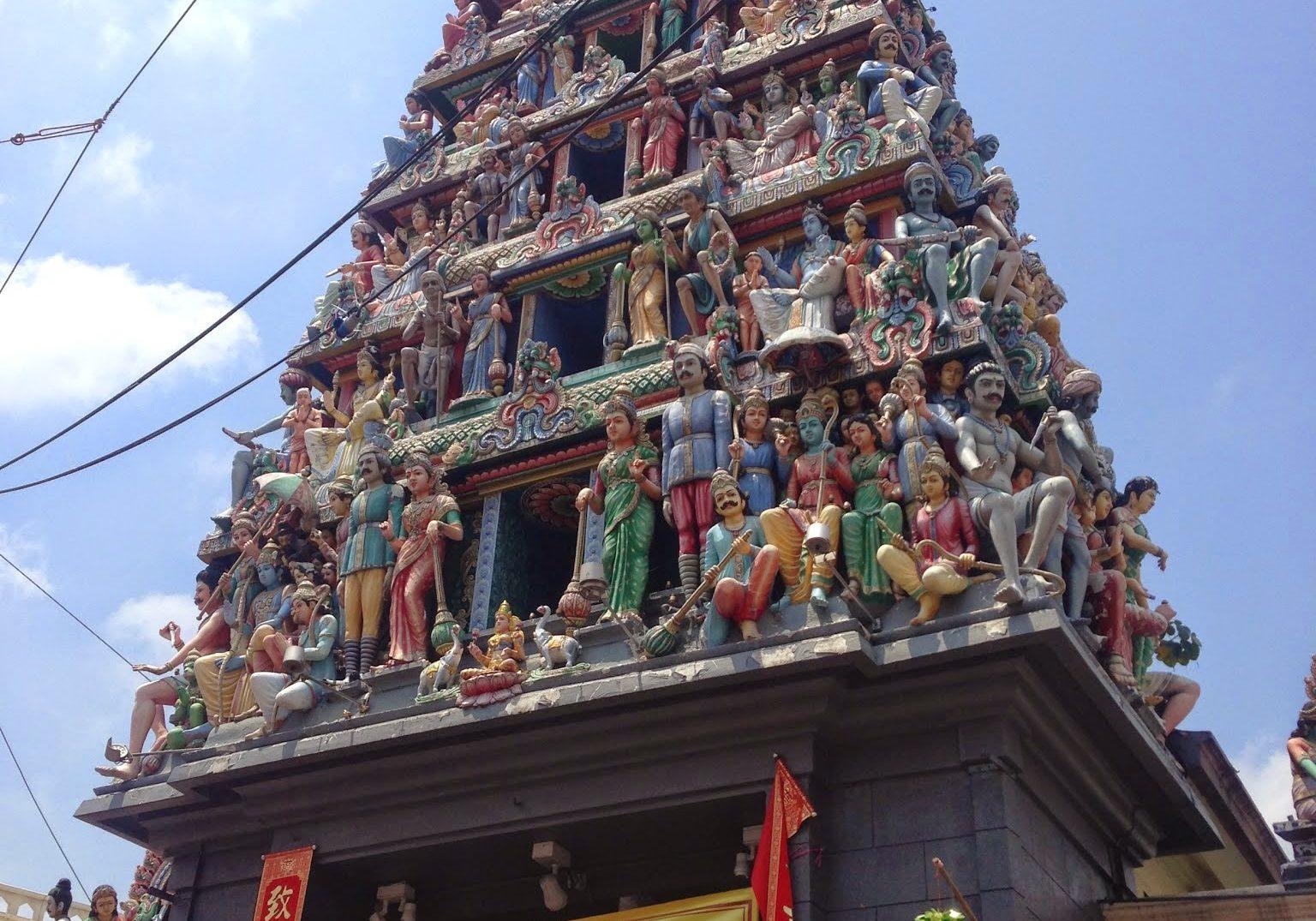 • Sri Mariamman Temple, temple, hindu, hindu temple, singapore, travelling, travels, backpacking,