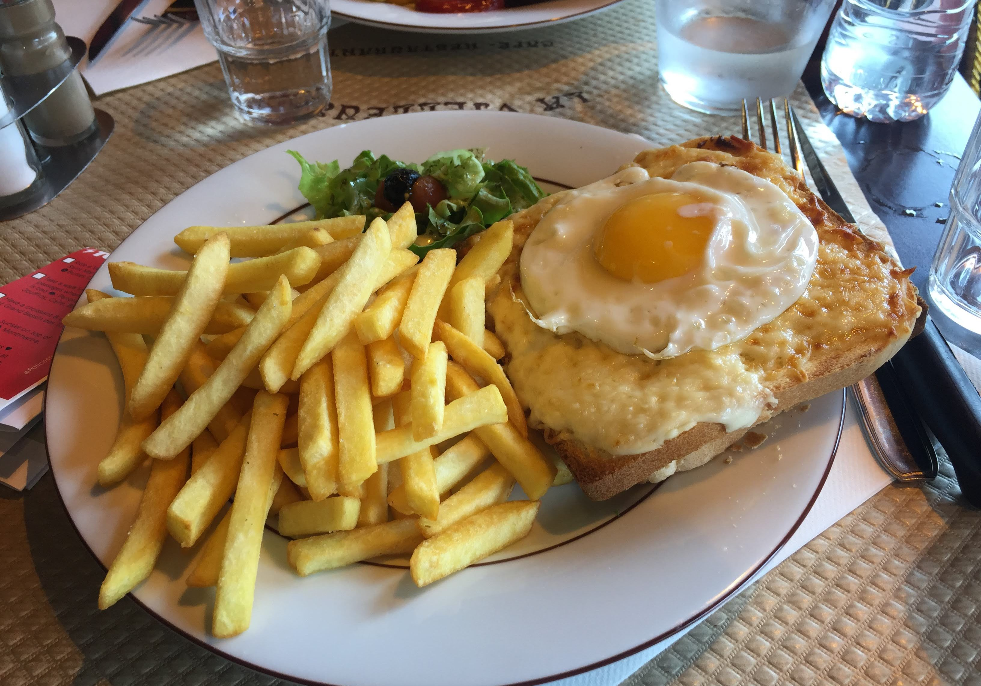 Croque Madame, top things to eat and drink, eat, drink, food, paris, france, europe, fries, french fries, eating, drinking, travelling, blogging, travel, travels,