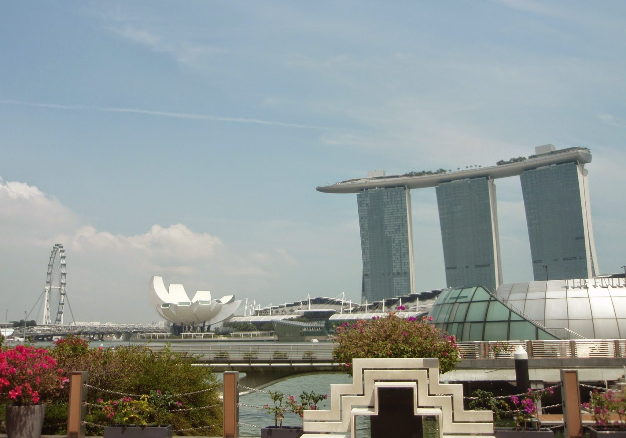 Marina Bay, singapore, marina bay sands, marina bay sands hotel, art and science museum, singapore flyer, travelling, travels, backpacking,